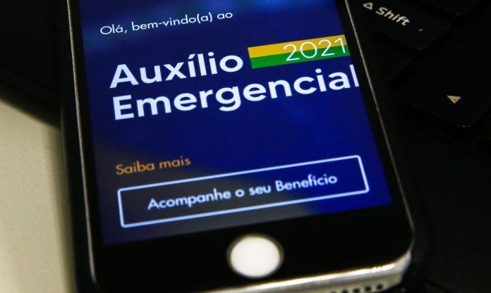 Caixa paga auxílio emergencial a nascidos em maio nesta quarta-feira (23)
